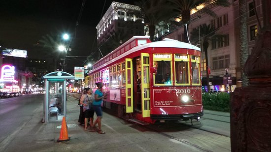 The Roosevelt New Orleans, A Waldorf Astoria Hotel: Tram