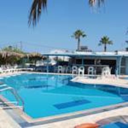 Golden Sun Apartments : nice and clean pool!