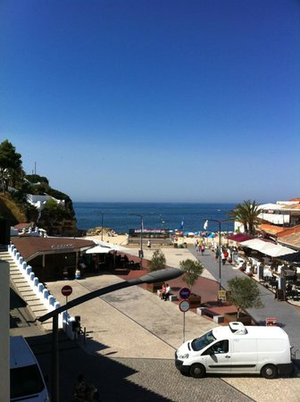 Hotel Carvoeiro Sol : view from our 2nd floor balcony.