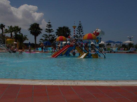 Imperial Belvedere: piscine pour enfants