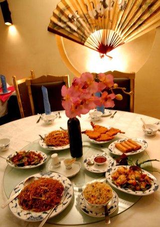 Zenith Water Margin Chinese Restaurant Family table setting & Family table setting - Picture of Zenith Water Margin Chinese ...