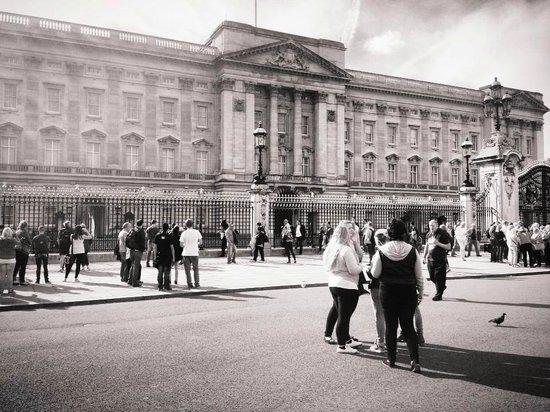 Buckingham Palace: London (My Photography)