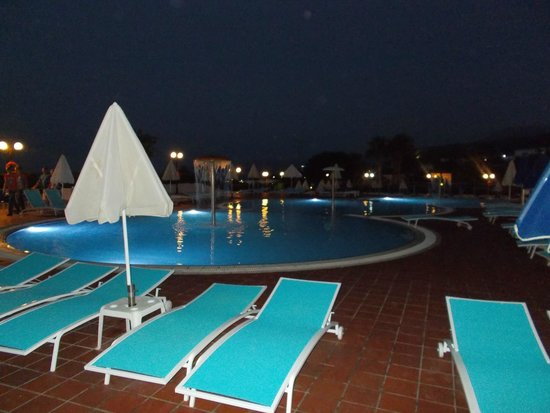 Imperial Belvedere: piscines