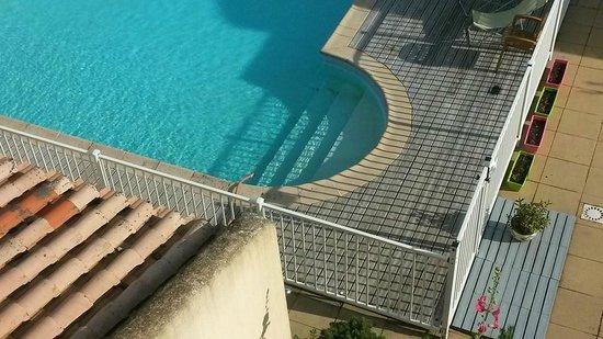 LOGIS LES PARCS : manque d'eau et tuyau flotteur durant notre séjour