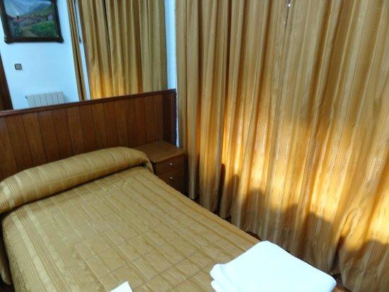 Hotel Antoyana: Habitación