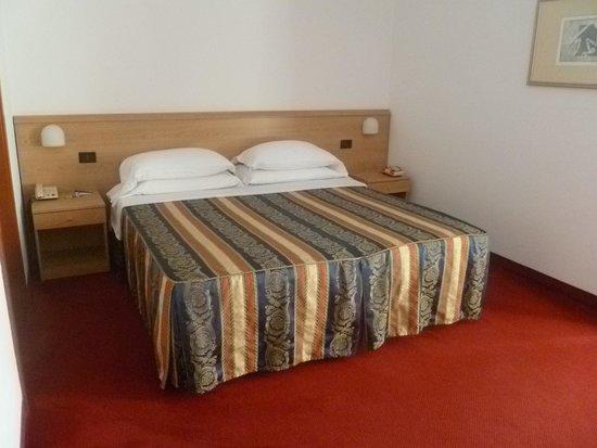 Best Western Titian Inn Hotel Venice Airport: Comfy Bed
