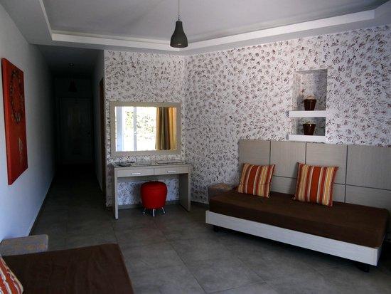 Hotel Porto Belissario : salon séjour