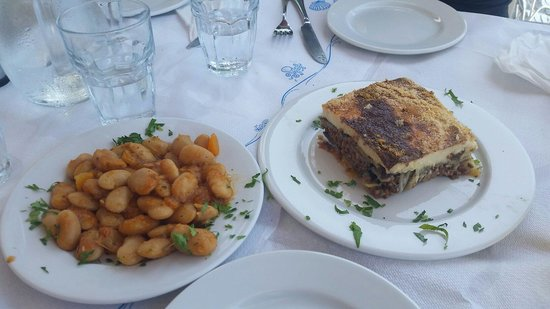 Zavalis Taverna: Almost as good as Yia-yia's
