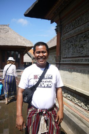 Private Driver in Bali - Made Dodi 'Family Team': Gusti, our guide ! =D