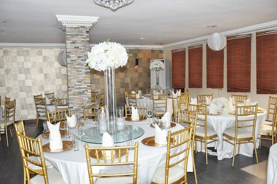Zenith Water Margin Chinese Restaurant Event Setting White Wedding Reception