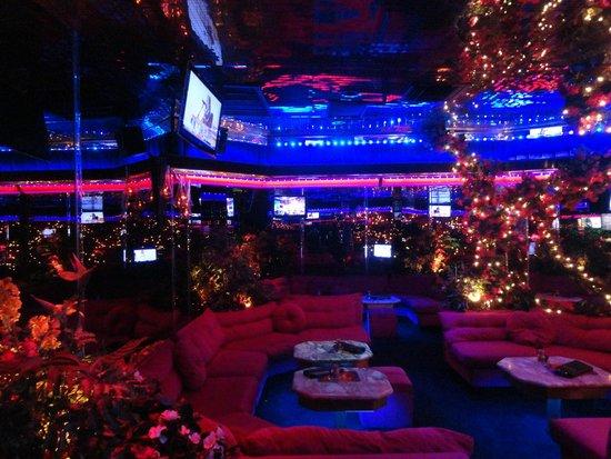 The Peppermill Restaurant & Fireside Lounge : Bar