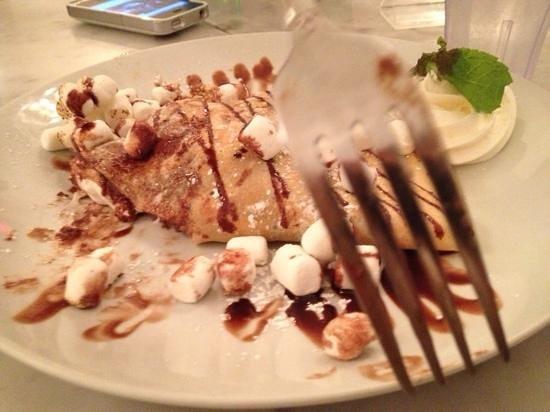 Sweet Paris Creperie: s'Mores crepe