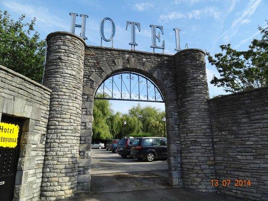 Hotel Antoyana: Entrada