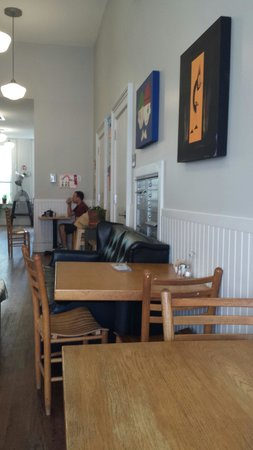 Starving Artist Cafe and Creperie: View of cafe and art gallery
