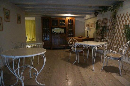 Palazzo Gelmi B & B: Breakfast room