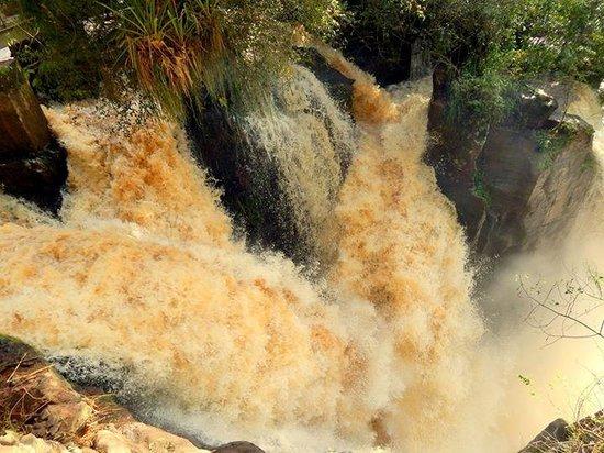 Iguazu Falls: Saltos con caudal histórico. Junio 2014