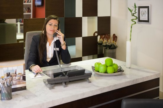 Fraser Residence Budapest: 24/7 reception at your service