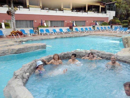 diverhotel Tenerife Spa & Garden: piscina y jacuzzi
