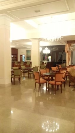 La Residence & Idrokinesis: Sala bar