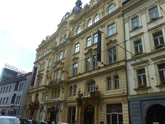 Hotel Century Old Town Prague - MGallery by Sofitel : Vue de la rue