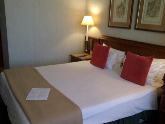 Hotel on St Georges: comfortable bed