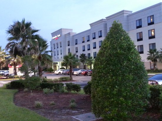 SpringHill Suites Jacksonville Airport: Nice safe area