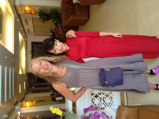 The Light Hotel Hanoi: Sisters!