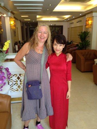 Hanoi Sky Hotel: Sisters!