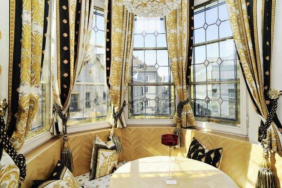 Hotel Schwarzer Adler: Swarovski Suite