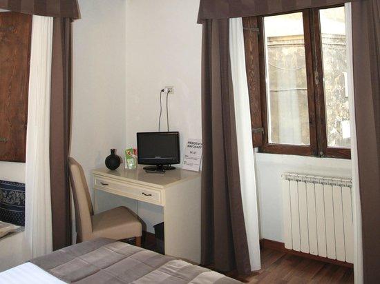 Residence Navonapt: Vista interna camera