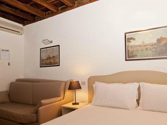 Residence Navonapt: Le travi di legno a soffitto