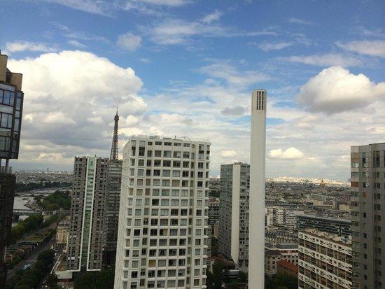 Novotel Paris Centre Tour Eiffel: View from room on 29th floor