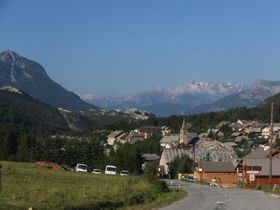 La Vieille Ecurie : View of village, short walk uphill