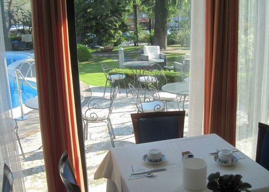 Hotel Piccola Vela: breakfast area