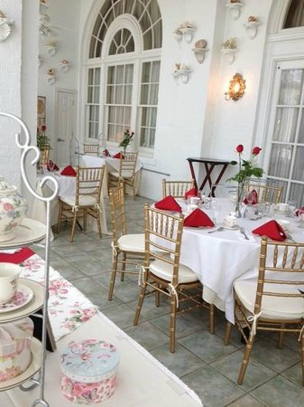 The Flanders Hotel: high tea in our terrace room
