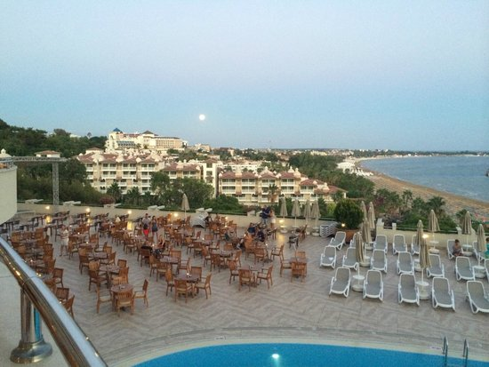 Melas Resort Hotel: view at dinner