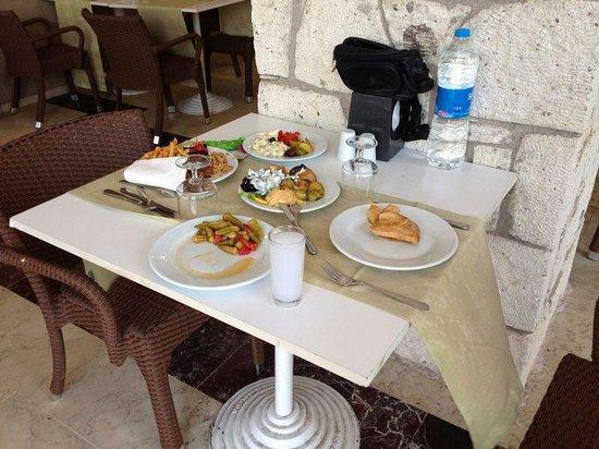 Loveyou Too Hotel Alacati: yemek
