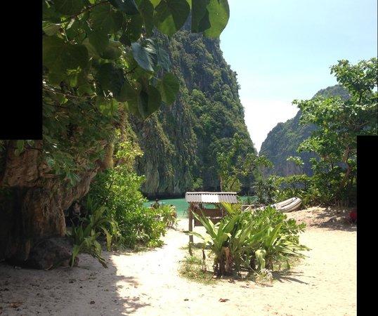 Phi Phi Islands: Maya Bay