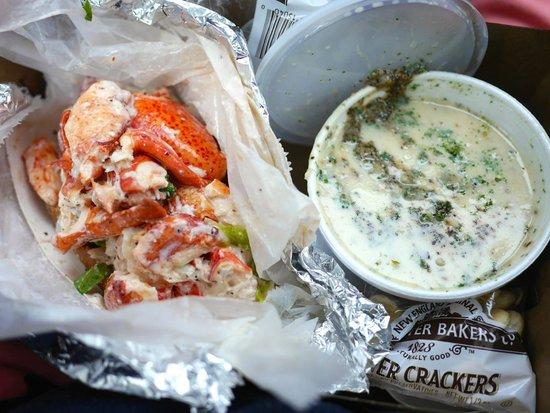 Fishermens Grill: Jumbo Lobster Roll and Chowda