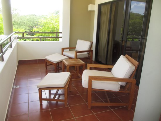The Westin Golf Resort & Spa, Playa Conchal - An All-Inclusive Resort : the balcony to our room in royal beach tower 1