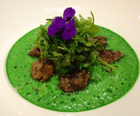 le Kaiku : Escargots  de bourgogne en fricassée risotto carnaroli et crémeux d'hortie  . C'est succulent!!!