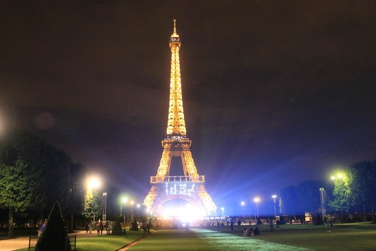 Tour Eiffel : The night before Bastille Day