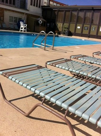 The Flanders Hotel: outdoor heated seasonal pool