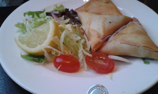 The Viceroy Indian: Meat samosa