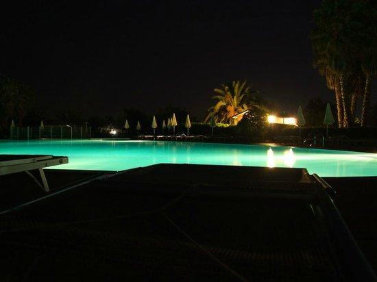VOI Arenella resort: Piscine