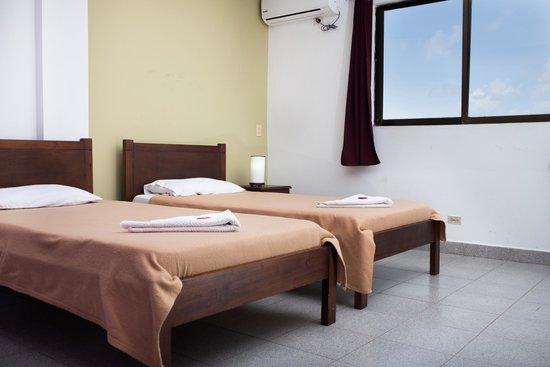 El Viajero San Andres Hostel & Suites: Habitacion Twin (2 camas) con Aire Acond y TV