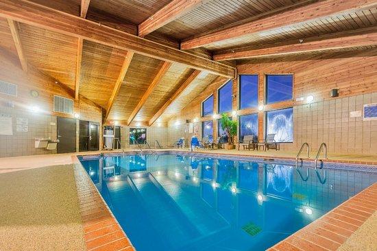 Photo of AmericInn Lodge & Suites Muscatine