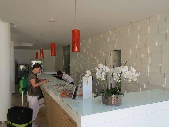 Hotel JS Sol de Alcudia: Reception