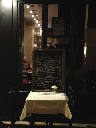 Pouic-Pouic : The menu board outside the restaurant (sorry it's so dark)