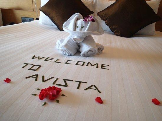 Novotel Phuket Kata Avista Resort and Spa: Cute deco on bed